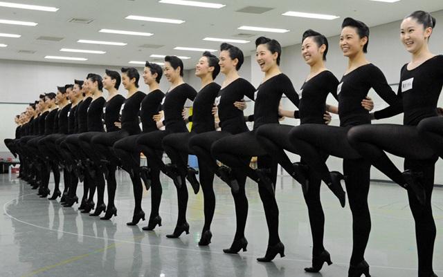 宝塚ラインダンス
